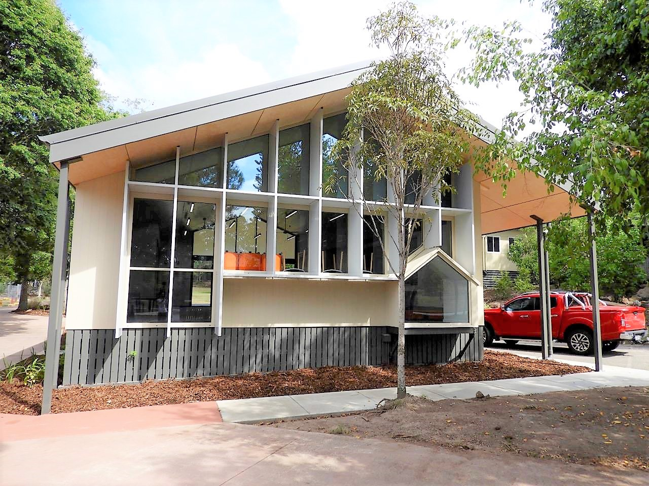 Brisbane Montessori School – New Library and Covered Sports Court